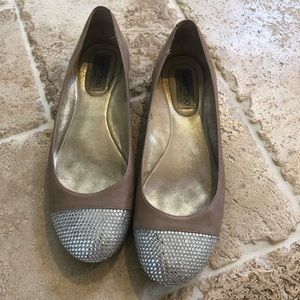Jimmy Choo Shoes - Classy yet Sexy Ballet flats nude w Bling like new